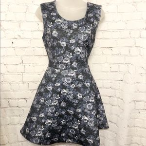 FOREVER 21 BLUE FLORAL NEOPRENE SKATER DRESS NWT M